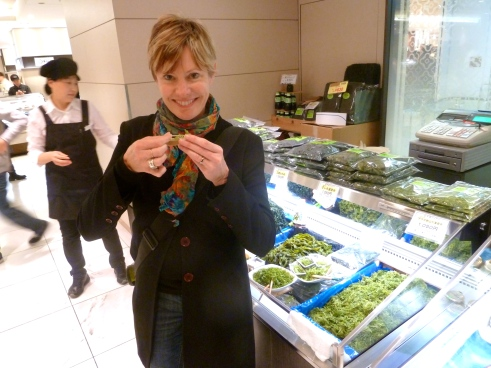 Trying fresh seaweed at the amazing food halls in the Isetan department store.  Maybe I can boost my brain power with this.